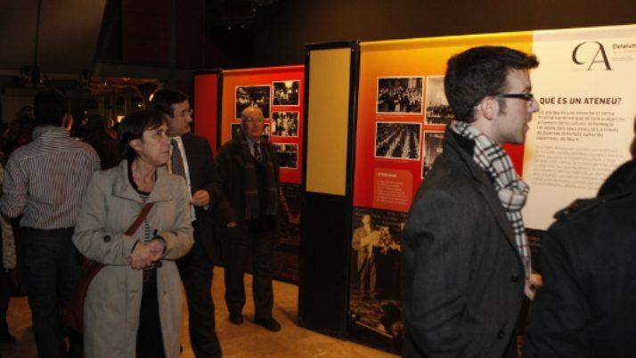 Un centenar de persones a la inauguració de l'exposició
