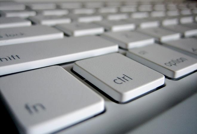 Convocatòria per cessió de material informàtic
