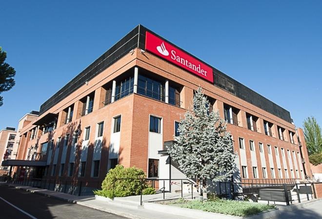 La FAC i el Banc Santander signen un conveni