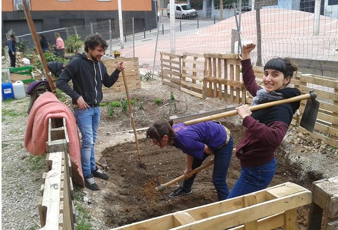 Nova vida comunitària als solars buits de Barcelona