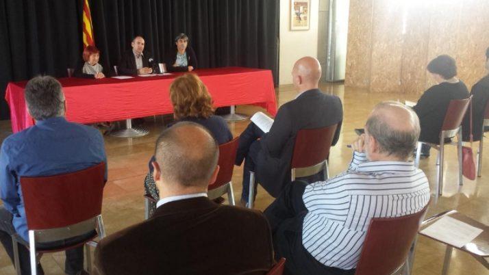 4 entitats de la Delegació de Ponent reclamen el català com a llengua preferent a la Paeria