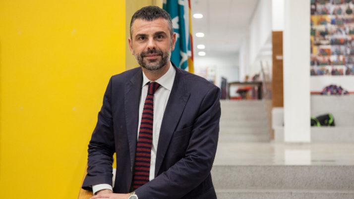 Santi Vila: «Aquest 2016 es convocarà una línia de subvenció adreçada a la reforma d'equipaments d'entitats»