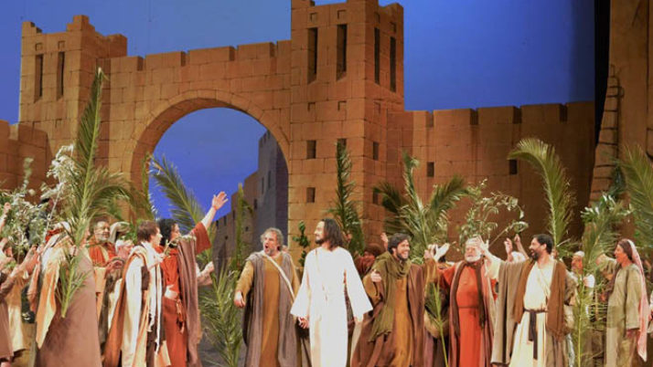 5 ateneus s'enduen les cinc invitacions dobles per la Passió d'Esparreguera